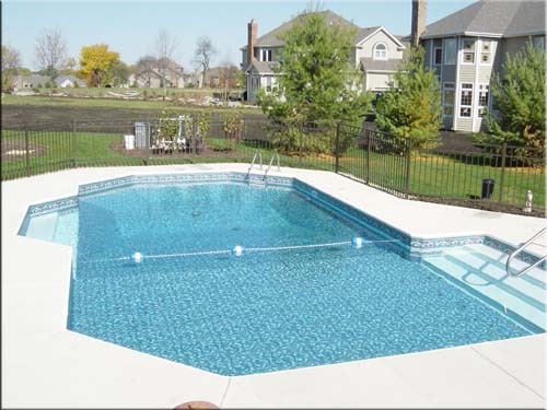 photo of pool sundeck and stairs Batavia, IL