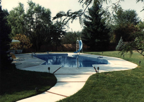 photo of shaded pool with slide Aurora, IL