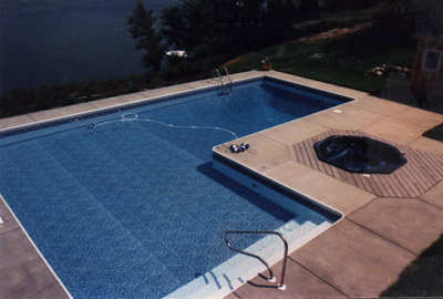 photo of L shaped pool in Somonauk, IL