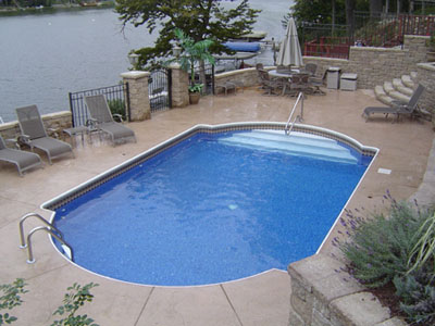 photo of pool by Lake Holiday, IL