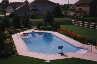 photo of pool and deck Geneva, IL